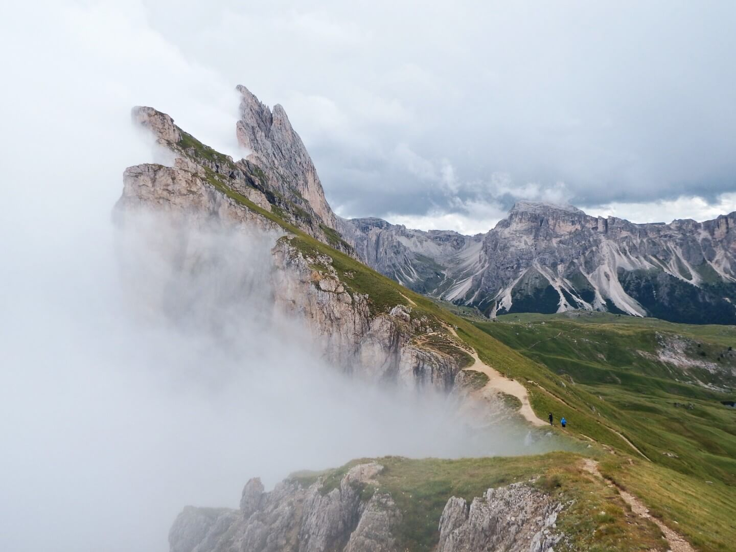 Seceda, Fermeda Peaks, Dolomites | Moon & Honey Travel