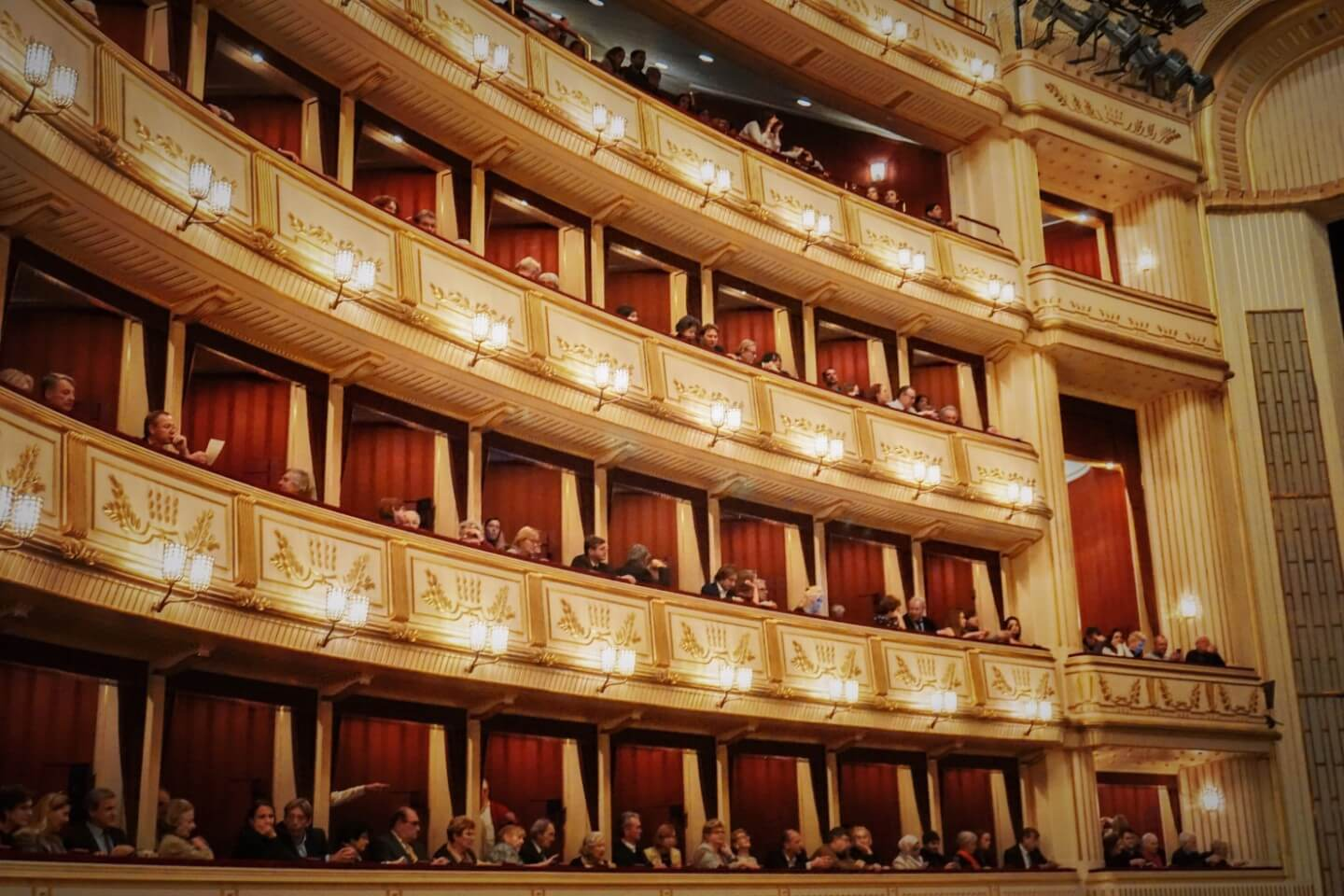 How to get a Standing Room Ticket for the Vienna State Opera, Austria