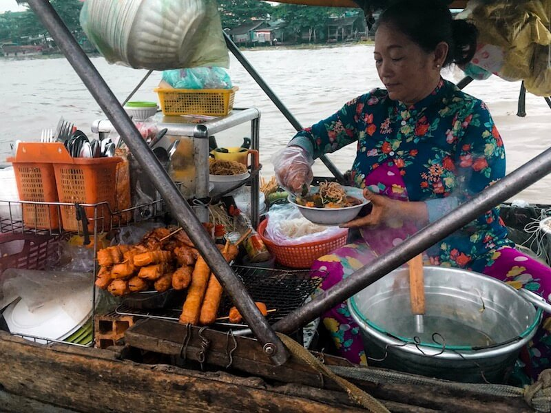 Cai Rang Floating Market | Moon & Honey Travel