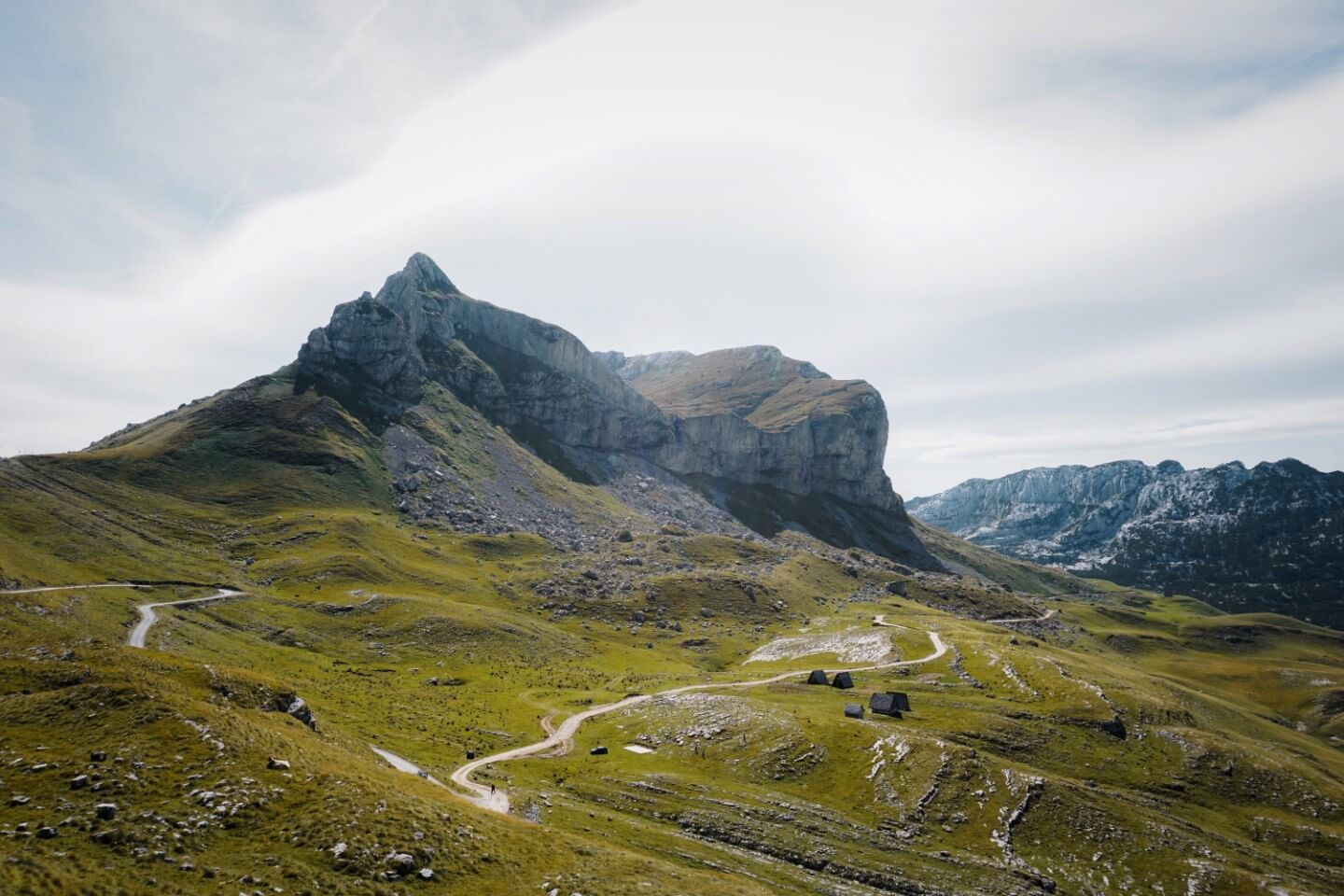 P14 Scenic Mountain Road through Durmitor National Park
