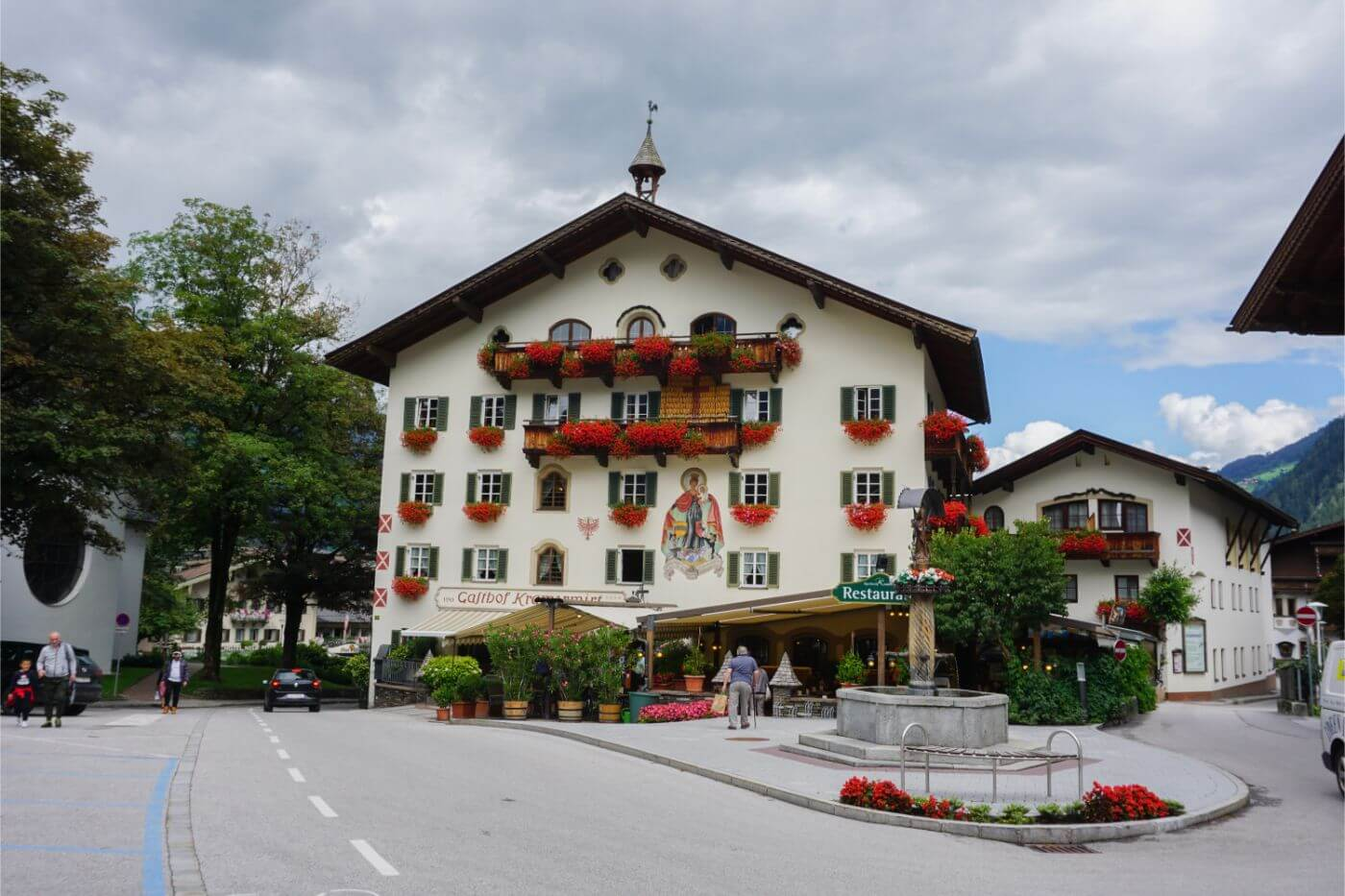 Alpenhotel Kramerwirt - where to stay in Mayrhofen before Berlin High Trail