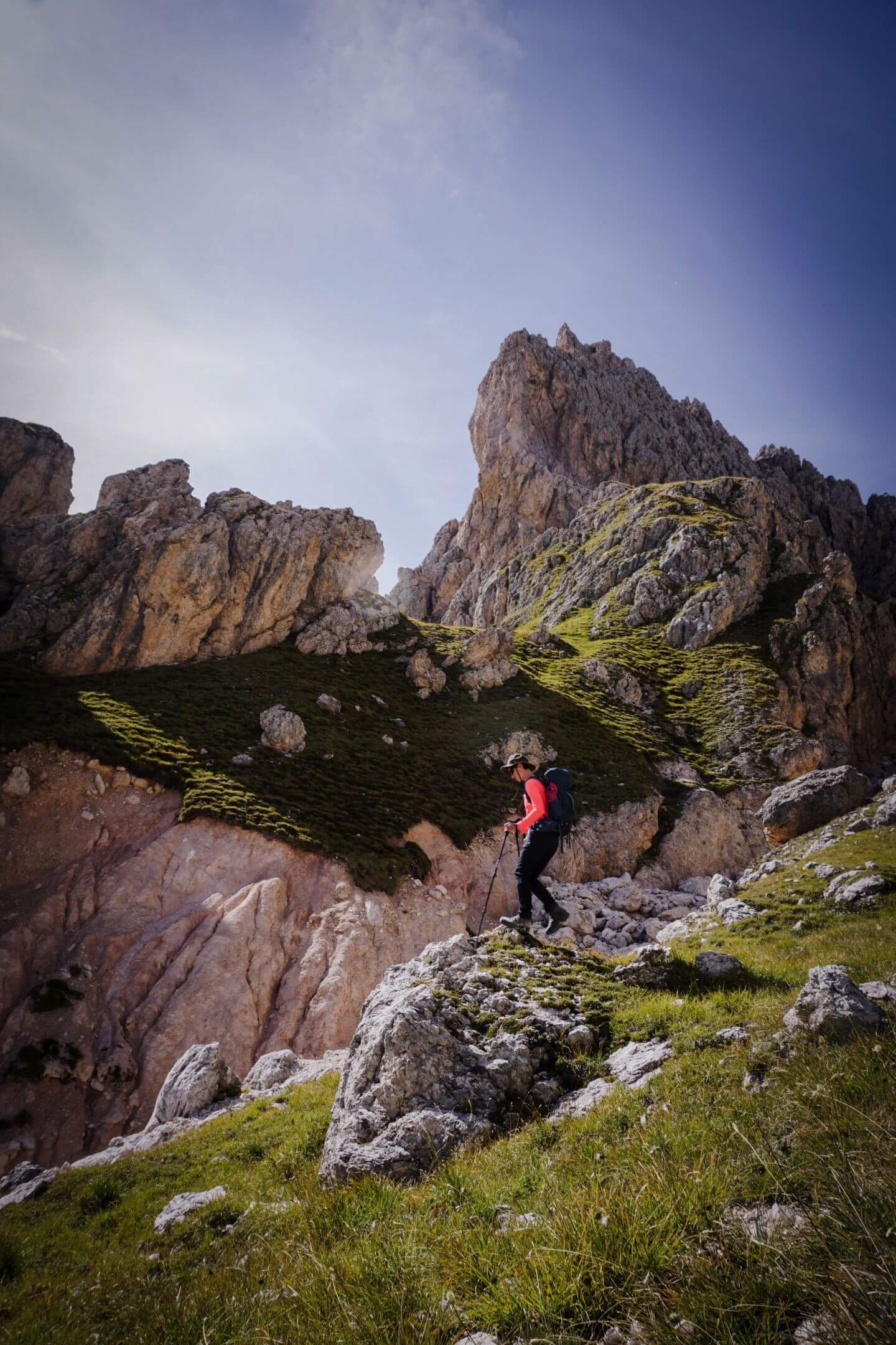 Descent from Mittagsscharte to Val Gardena, Puez - Odle, Dolomites